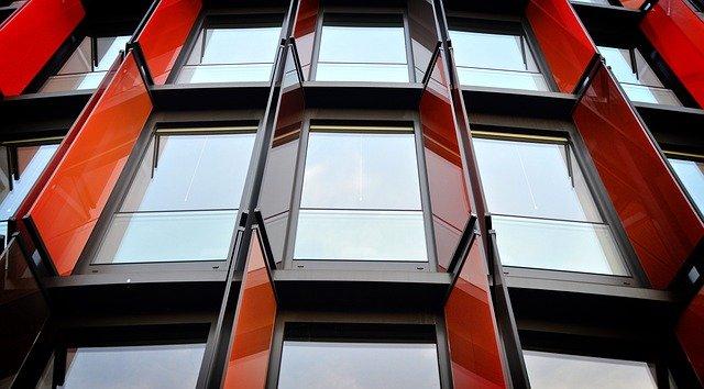 Fasády v modernom designe a s podporou svetla