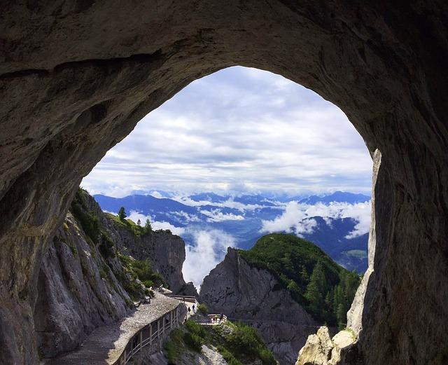 jeskyně.jpg